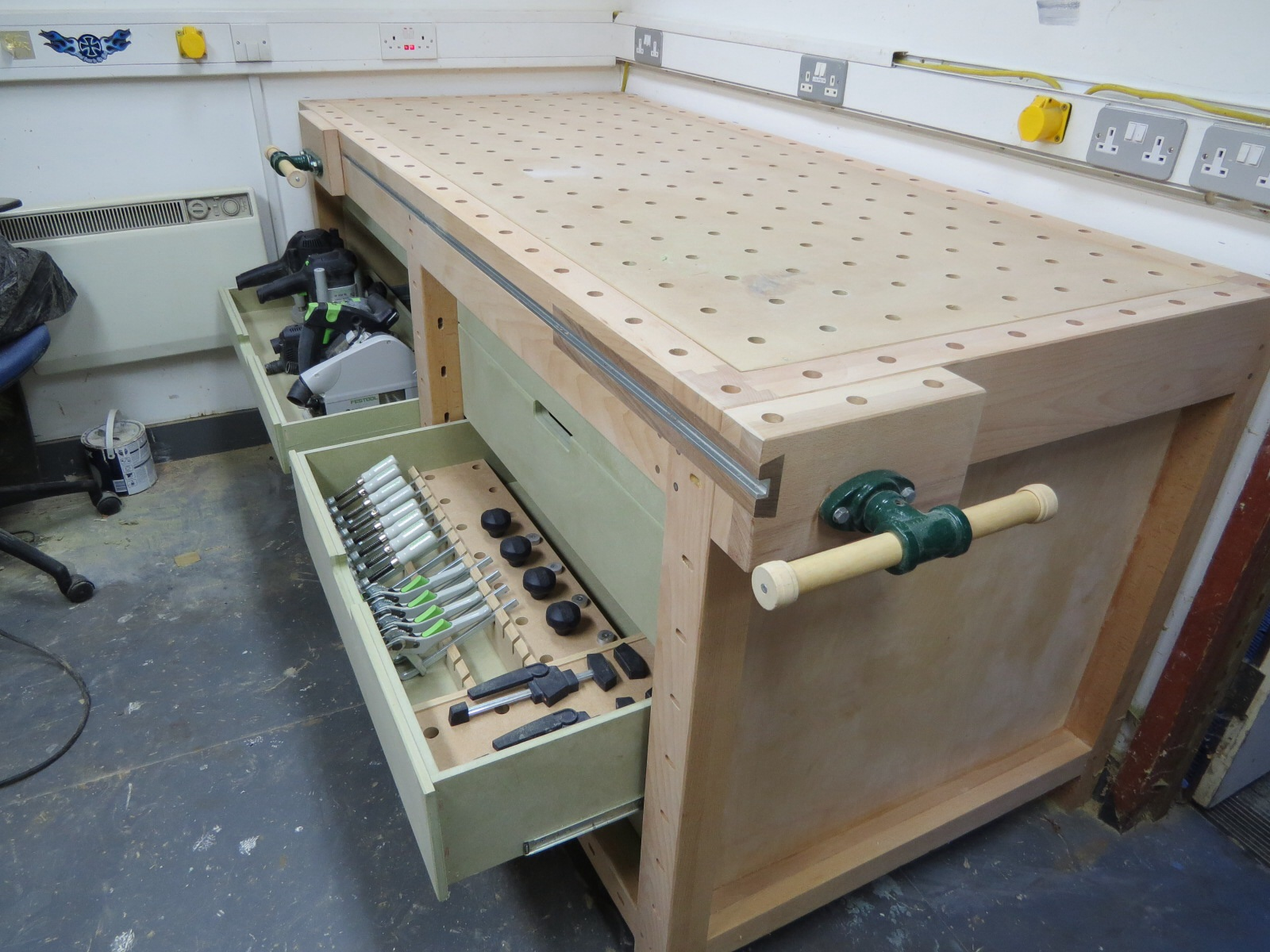 garage workbench and cabinet ideas - Workbenches With a Difference Table Saw Central